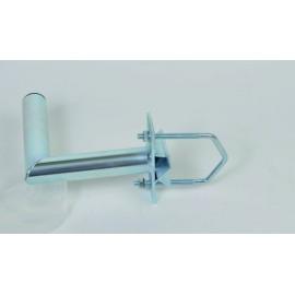 Držák 20cm s vinklem pro uchycení antén na stožár - žárový zinek