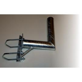 Držák 25cm s vinklem a 2 třmeny na stožár pr. 60mm - výška 40cm